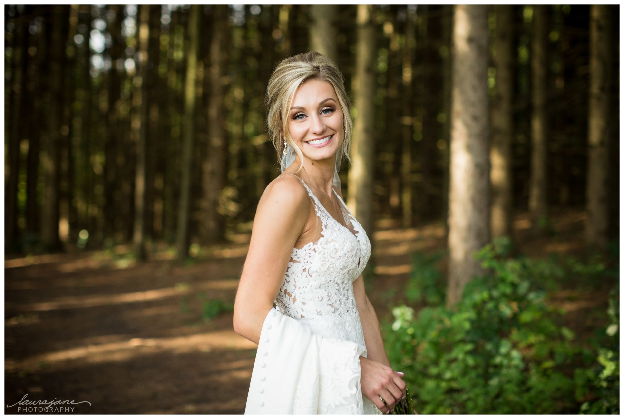Top Menomonee Falls Wedding Photographer